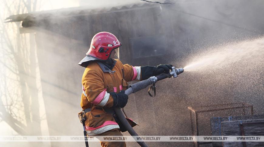 В Гродненском районе на пожаре в дачном доме погиб мужчина, пишет БЕЛТА.