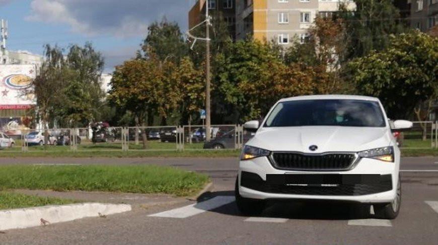 В Минске на переходе легковушка сбила ребенка на самокате