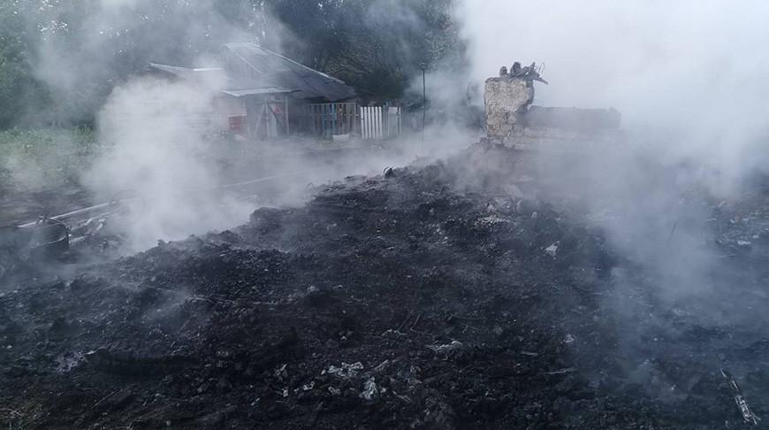 В Дятловском районе на пожаре частного дома обнаружены двое погибших.