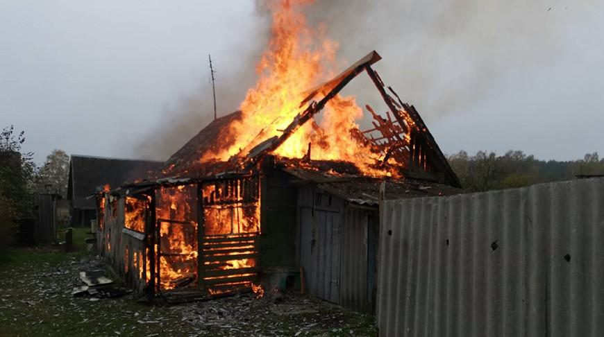 В Волковысском районе при пожаре в жилом доме погиб мужчина.