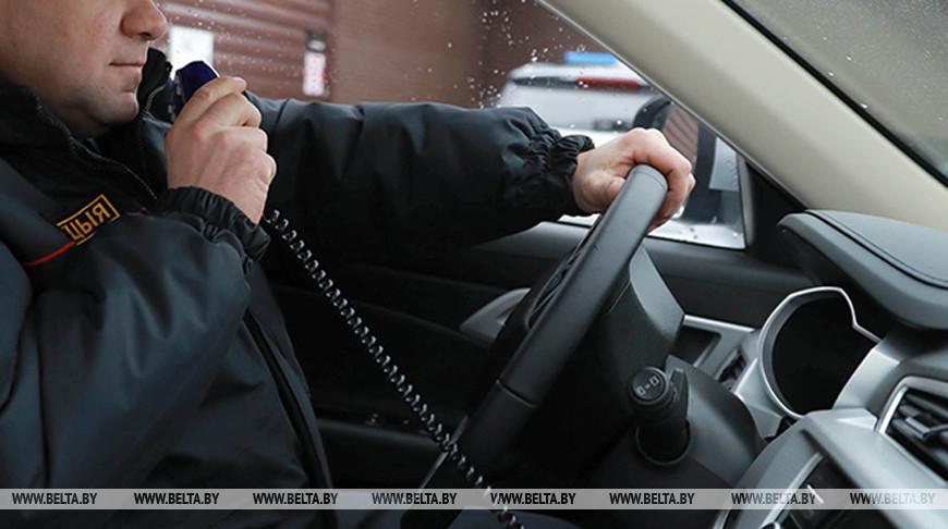 Минчанин в состоянии наркотического опьянения напал на машину правоохранителей