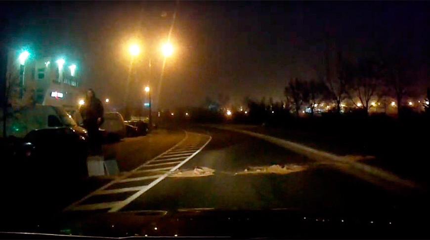 Двое минчан пытались ночью заблокировать движение на дороге