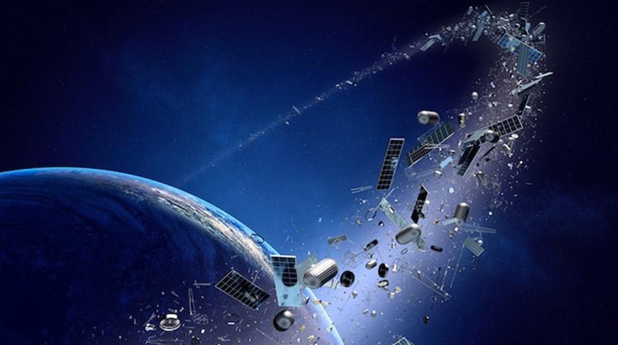 В Японии ученые займутся разработкой спутника для уничтожения космического мусора.