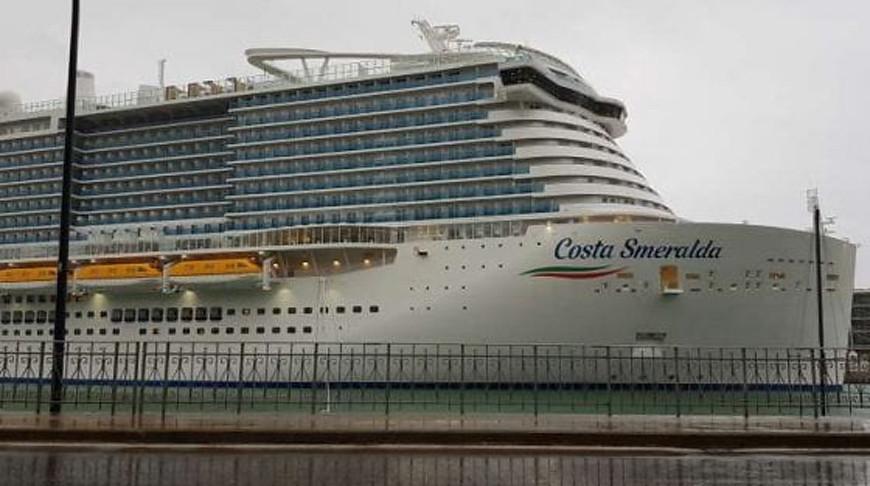 В Италии заблокирован лайнер с 6 тыс. пассажиров из-за подозрения на коронавирус