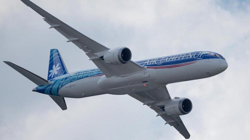 Авиалайнер совершил самый долгий перелет в истории из-за коронавируса