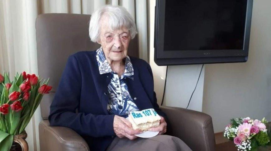 В Нидерландах 107-летняя пациентка вылечилась от коронавируса