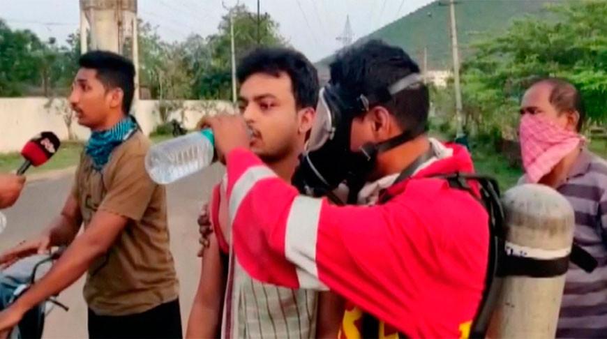 Люди падали прямо на улице: утечка газа на заводе в Индии, 9 человек погибли
