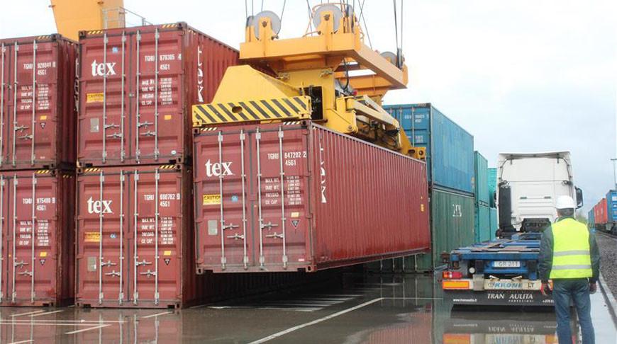 Первый грузовой поезд Китай-Европа прибыл из Китая в Вильнюс
