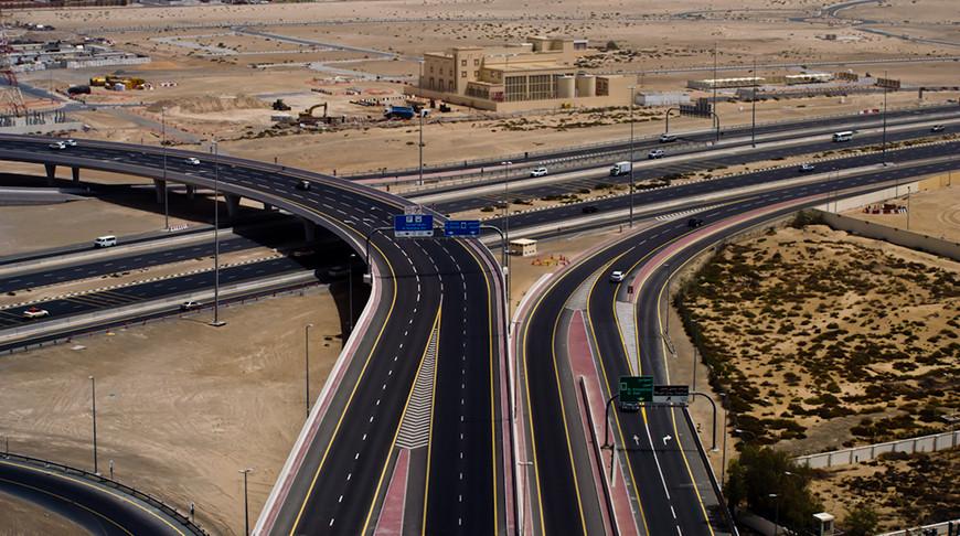 В эмирате Абу-Даби на неделю запретили передвижение между крупнейшими городами