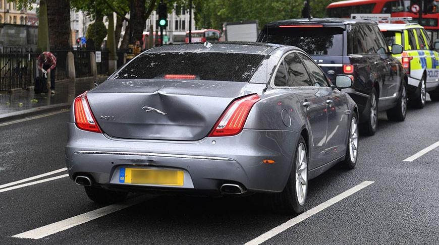Автомобиль премьер-министра Великобритании попал в ДТП