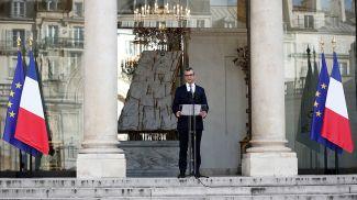 Алексис Колер объявляет имена министров нового кабинета министров во дворе Елисейского дворца. Фото  Reuters