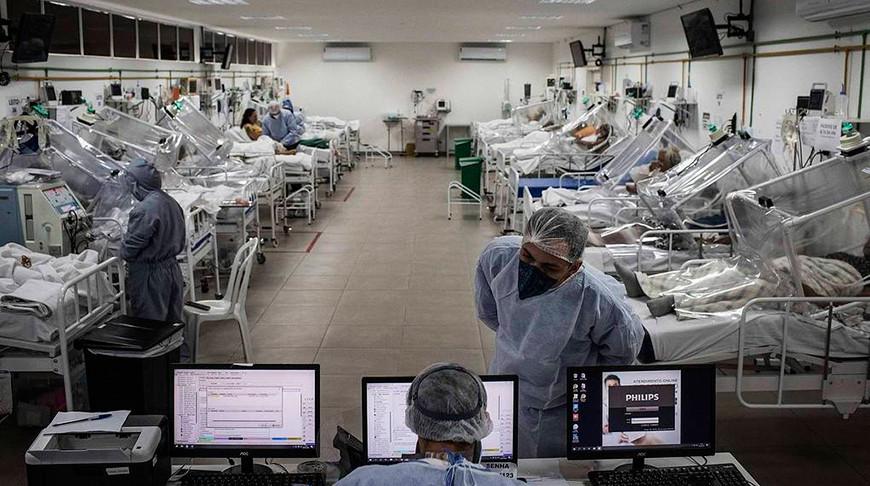 Число смертей из-за коронавируса в Бразилии превысило 125 тыс.