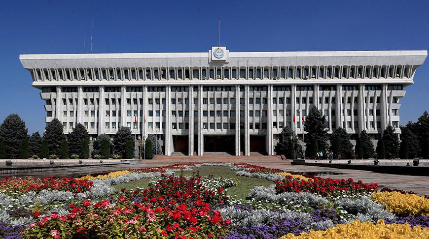 В парламентских выборах Кыргызстана примут участие 15 партий
