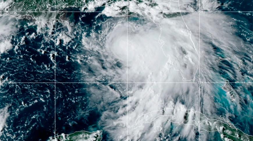 Циклон 'Салли' у южного побережья США усилился до урагана
