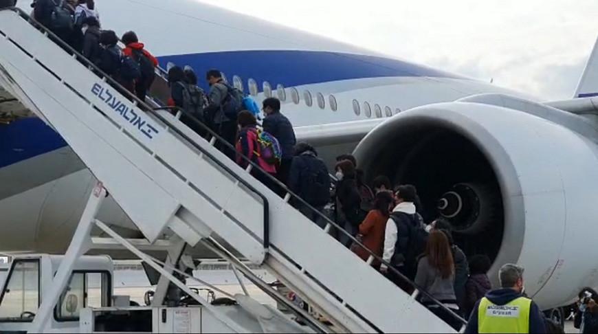 Израиль запретил вылеты из страны из-за COVID-19