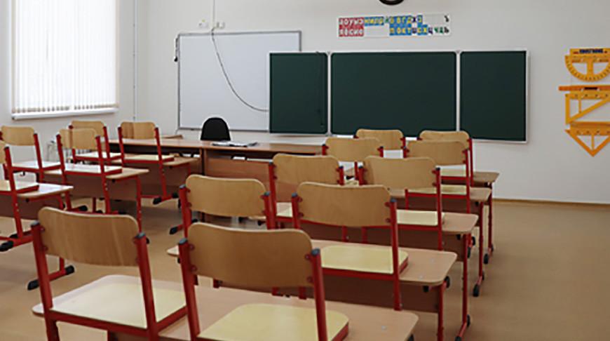 Школы в России из-за роста заболеваемости COVID-19 точечно переводят на дистанционное обучение