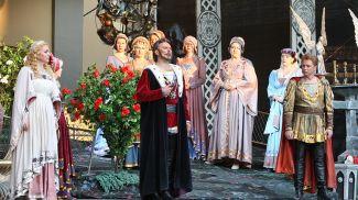 """Сцена из оперы """"Иоланта"""". Фото из архива"""