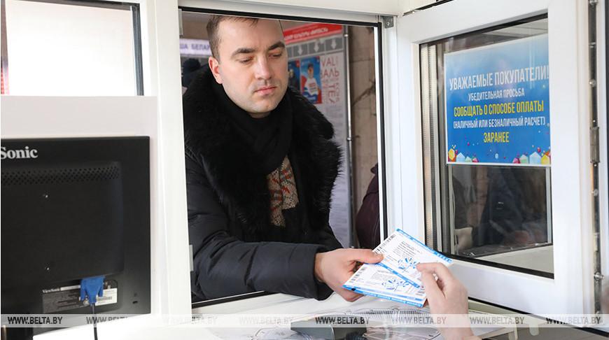Обладатель первых билетов Виктор Шлапоков
