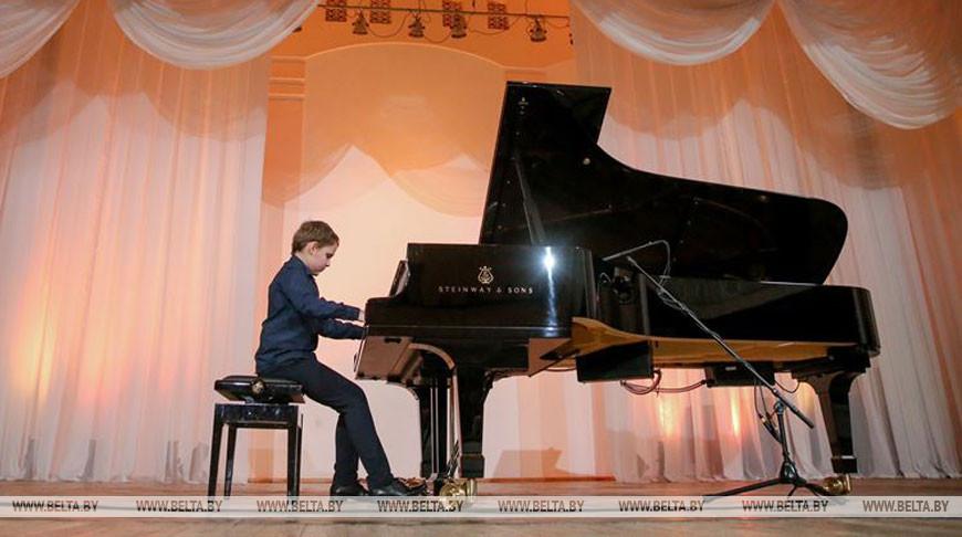 Родион Шакиров во время выступления