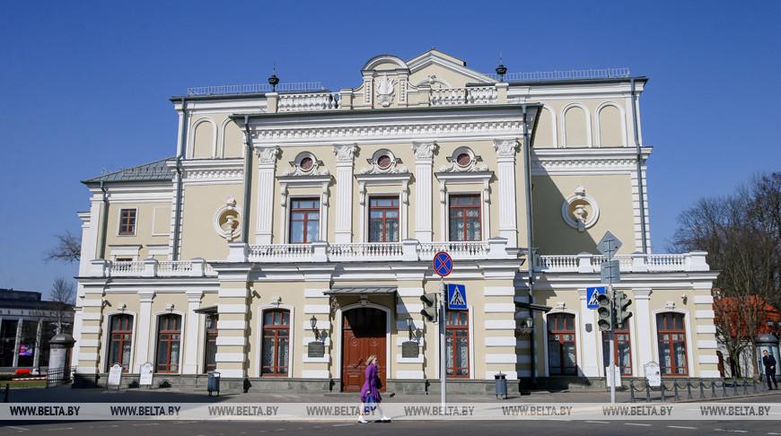 Спектакли Купаловского театра посмотрели онлайн около 65 тыс. зрителей