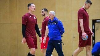Предматчевая тренировка белорусских гандболистов. Фото БФГ