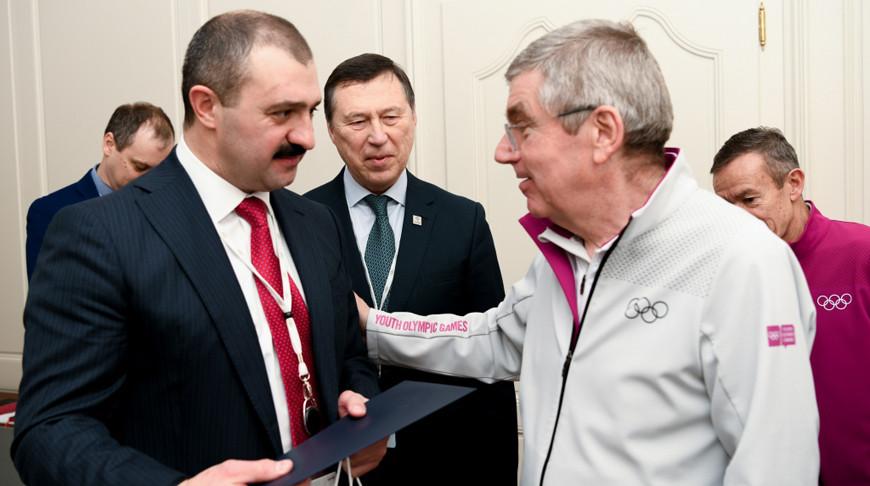 Виктор Лукашенко и Томас Бах. Фото НОК Беларуси