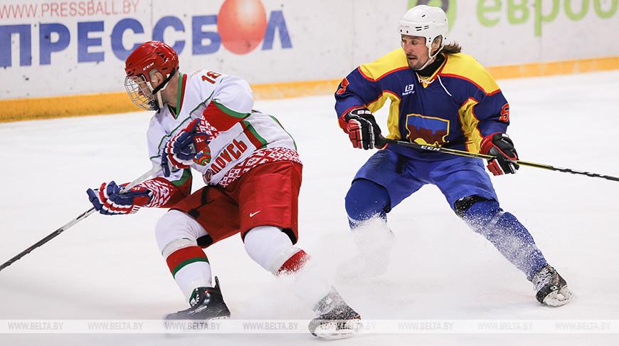 Хоккейная команда Президента победила брестчан в матче любительского турнира