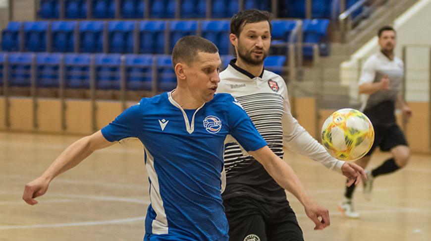 Во время первого полуфинала между БЧ и ВРЗ. Фото  СпортНавины