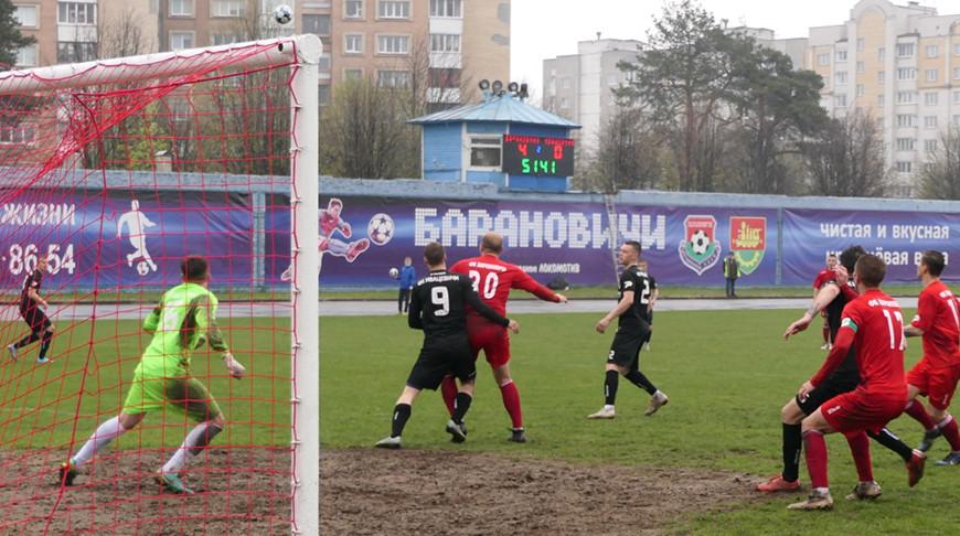 Футбольный стадион начали реконструировать в Барановичах