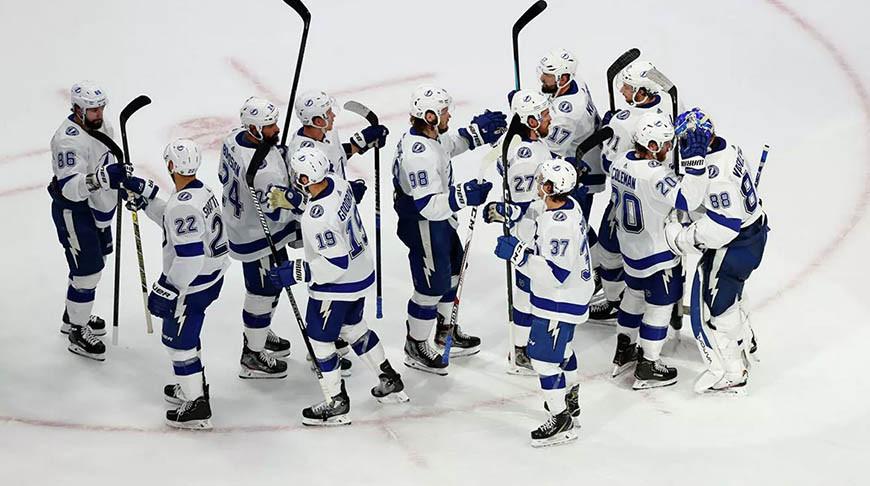 'Тампа' обыграла 'Нью-Йорк Айлендерс' в четвертом матче финала Восточной конференции НХЛ