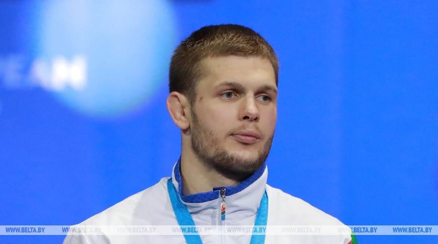 Белорус Александр Гуштын стал серебряным призером личного КМ по вольной борьбе