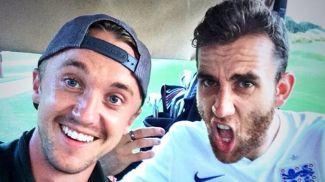 Том Фелтон и Мэттью Льюис. Фото из Instagram