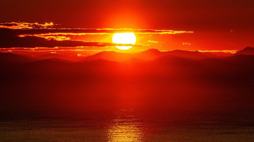 Невероятный восход солнца записали на видео в США