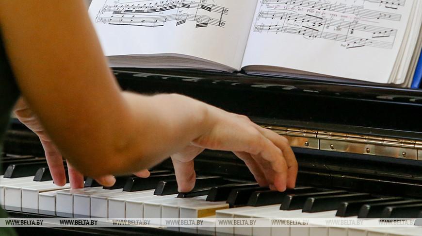 Музыкант из Санкт-Петербурга установил мировой рекорд по длительности игры на фортепиано