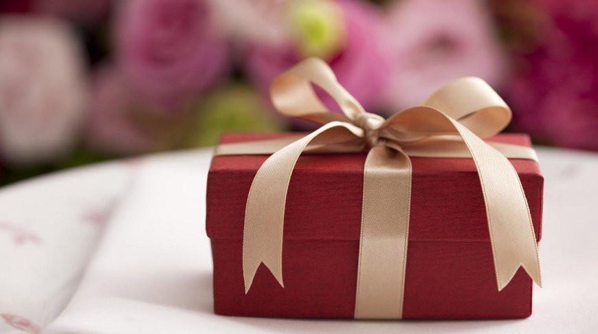 В сети назвали самые нелепые подарки на день рождения