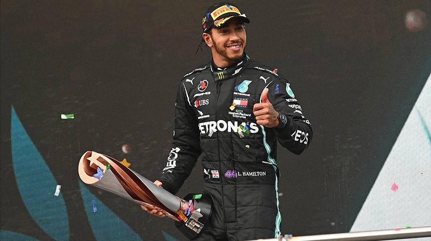Хэмилтон повторил рекорд Шумахера и стал семикратным чемпионом 'Формулы-1'