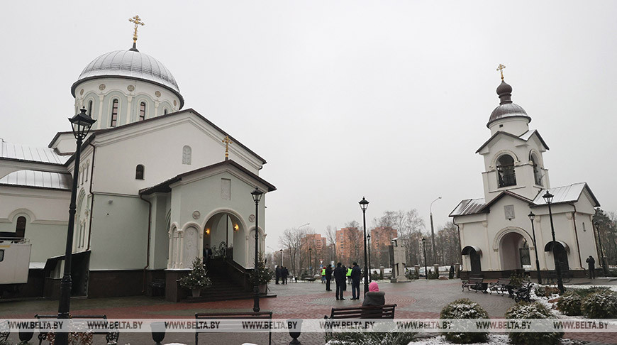 Лукашенко в Рождество посещает в Минске храм Воздвижения Креста Господня