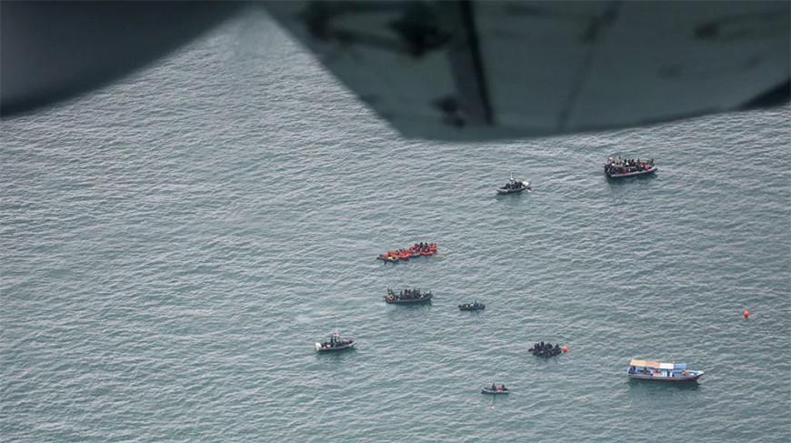 Поисково-спасательная операция в районе вероятного крушения самолета. Фото  Reuters