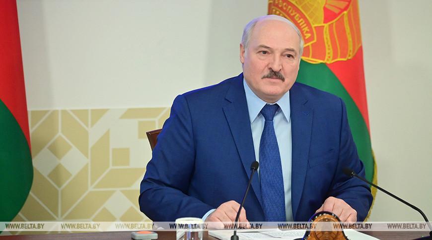 Александр Лукашенко во время встречи со студентами