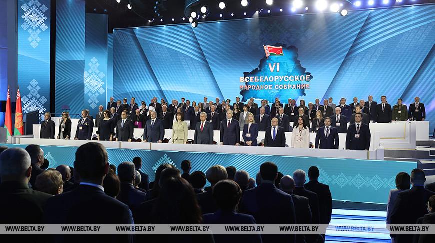 Лукашенко: мы переживаем очень серьезный и переломный период в жизни страны и народа