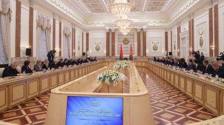 Александр Лукашенко на встрече с членами Конституционной комиссии