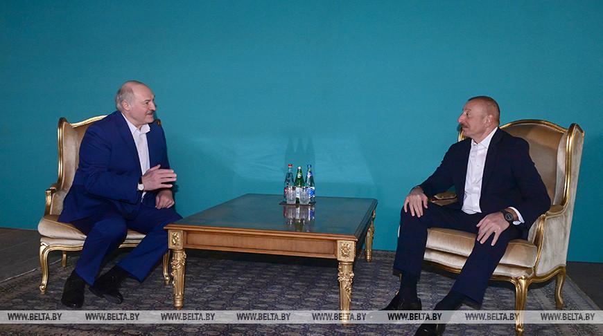 Александр Лукашенко и Ильхам Алиев во время встречи