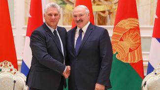 Мигель Марио Диас-Канель Бермудес и Александр Лукашенко. Фото из архива