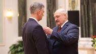 Глава государства вручил ордена Почет генеральному конструктору научно-технического центра МТЗ Андрею Стасилевичу