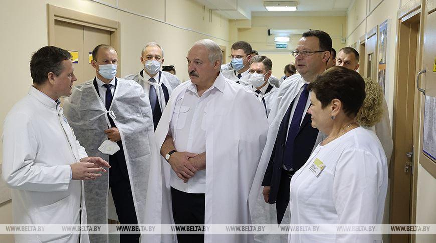 Александр Лукашенко посещает 2-ю городскую детскую клиническую больницу