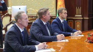 Михаил Костечко (в центре), Дмитрий Петруша (справа)