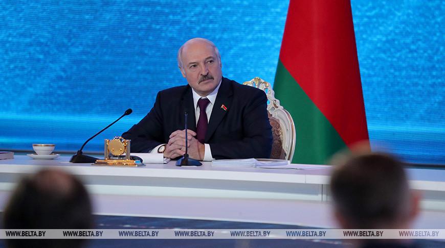 """Фото из архива. """"Большой разговор с Президентом"""". Александр Лукашенко во время встречи с представителями общественности и экспертного сообщества, белорусских и зарубежных СМИ, 2019 год"""