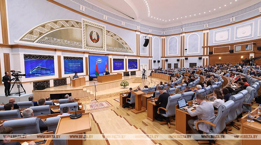 Лукашенко: сегодня Беларусь оказалась в фокусе внимания всего мира, но не по своей воле