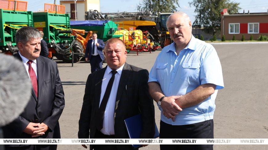 'Убирать было нечем' - Лукашенко напомнили, как 25 лет назад в поле принималось решение по отечественному комбайну