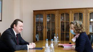 Сергей Алейник во время встречи с Алоизией Вергеттер. Фото МИД